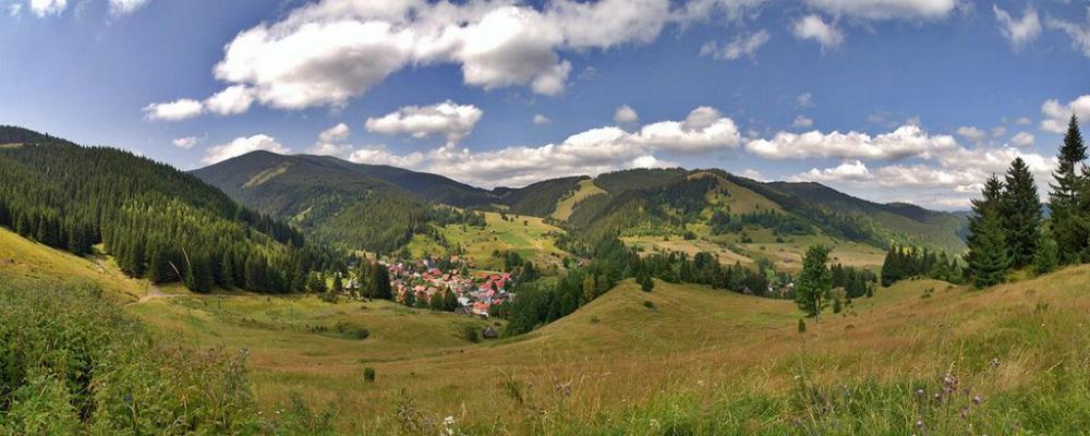Panoramatický pohľad na Nižnú Bocu a okolie